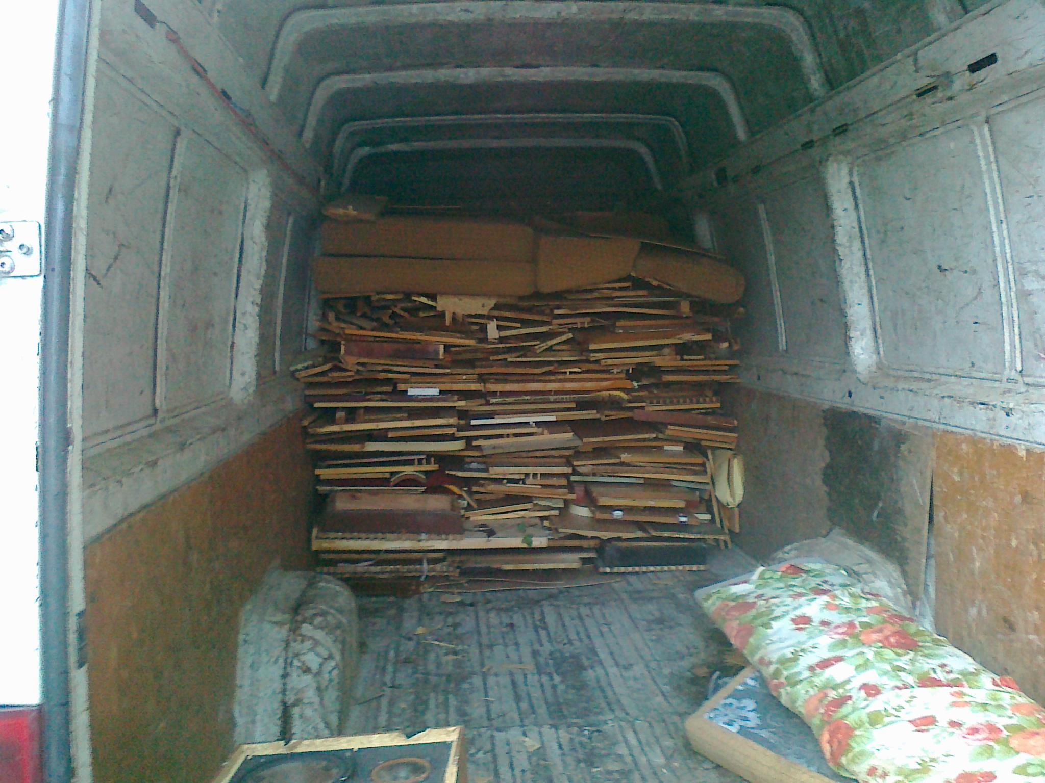 Ukládání rozbitého nábytku